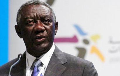 """D'après John Kufuor, le Ghana pourrait """"facilement"""" exporter 1 000 MW d'électricité au Nigéria"""