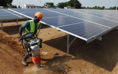La multiplication des centrales solaires en Afrique est un bon signal pour la lutte contre l'exclusion énergétique