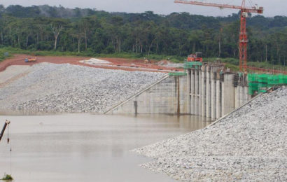 Cameroun: le barrage-réservoir de Lom Pangar a déjà assuré une puissance hydraulique de plus de 170 MW à Edéa et Song Loulou (EDC)