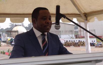 Cameroun : après six ans de fonctions, Basile Atangana Kouna cède le fauteuil de ministre de l'Energie à Gaston Eloundou Essomba