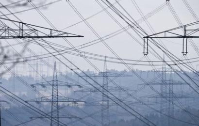 Algérie: plus de 34 000 Km de réseau électrique à construire d'ici 2027