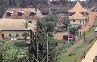 Cameroun: recrutement d'un contrôleur pour le suivi des travaux d'éclairage public via le solaire à Dschang et Foumbot