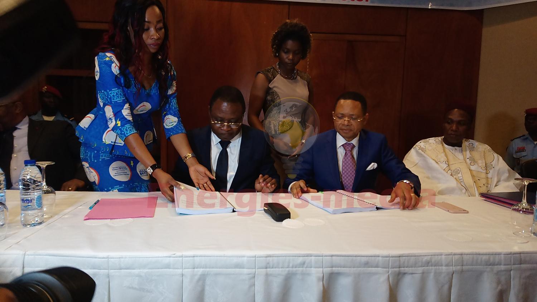 Cérémonie de signature des contrats de concession de la Sonatrel (Cameroun)