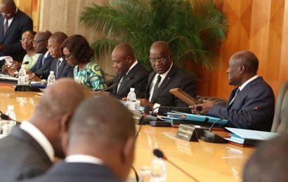 Côte d'Ivoire: les entreprises de transport et distribution de l'énergie devront aussi maintenir au moins 10% de leurs effectifs en cas de grève