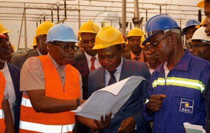 Cameroun: la ligne complète de transport de l'électricité produite à Memve'ele (211 MW) ne sera pas livrée avant fin 2019