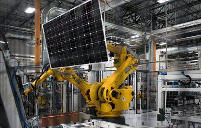 L'Algérie envisage la possibilité de fabriquer localement des panneaux solaires