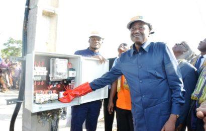 Lancement d'un projet sur le réseau électrique ivoirien pour porter le taux de couverture «de 48% à 100%»