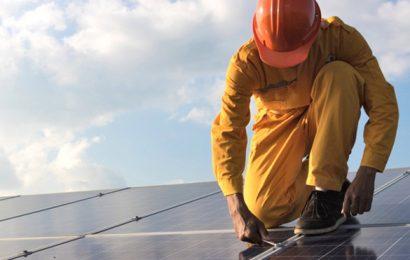 Les investissements mondiaux dans l'énergie solaire en recul de 19% au premier semestre 2018 (Etude)
