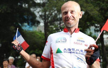 Le Belge Raf van Hulle vainqueur de la course «Sun Trip»: de Lyon à Canton en vélo solaire