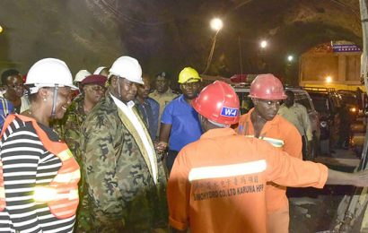Ouganda: le chef de l'Etat visite les installations du barrage de Karuma (600 MW)