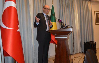 Congo-Brazzaville: «une partie importante du revenu du pétrole est récupérée par les sociétés qui l'exploitent» (ambassadeur turc)