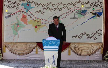 Le président tadjik a inauguré le premier des six générateurs du barrage de Rogoun (3600 MW)