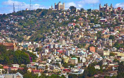 Madagascar: des pistes pour porter le taux d'accès à l'électricité à 70% en 2030, contre 15% en 2017