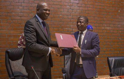 Mali : Banque Atlantique s'engage à financer un programme d'installation de systèmes solaires photovoltaïques en zones rurales