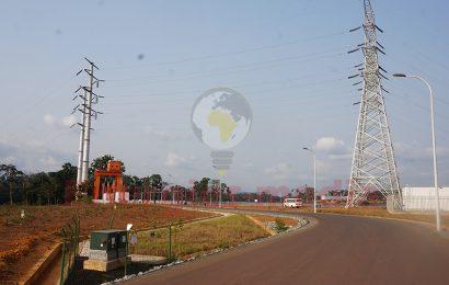 Cameroun: les ouvrages d'évacuation d'énergie du barrage de Memve'ele (211 MW) pourraient être achevés en 2020 (direction du projet)