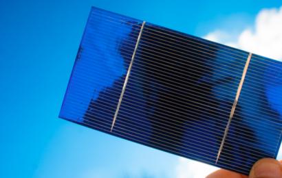 Solaire: des cellules photovoltaïques à pérovskytes pour fournir de l'énergie à l'ombre comme au soleil
