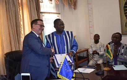 Burkina Faso : des financements de l'UE pour développer la filière de l'énergie solaire