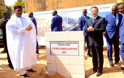 Niger/Pétrole: pose de la première pierre du futur pipeline qui reliera les villes de Zinder et Torodi