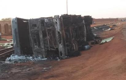 Niger: le bilan de l'explosion d'un camion-citerne à Niamey réévalué à 76 morts