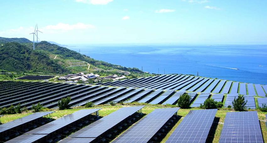 Les capacités mondiales nettes en énergies renouvelables ont augmenté d'environ 180 gigawatts en 2018, comme en 2017 (AIE)