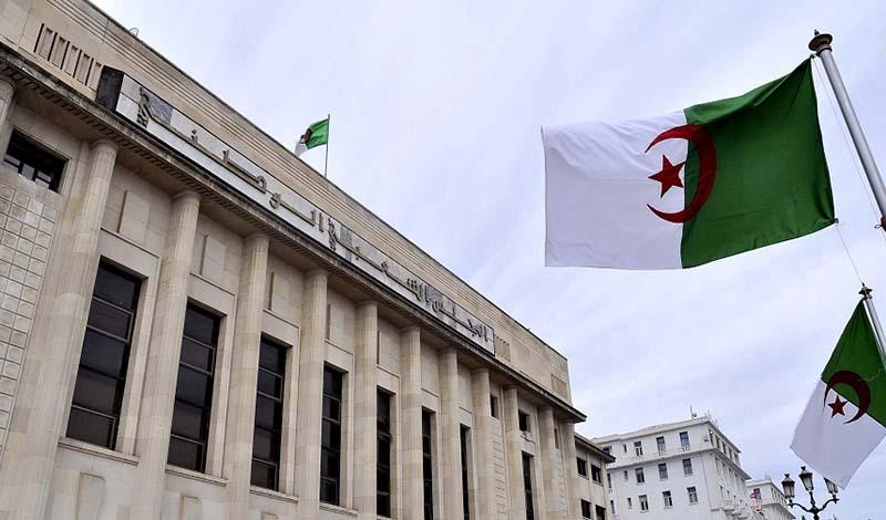Algérie: une nouvelle loi régissant les hydrocarbures adoptée