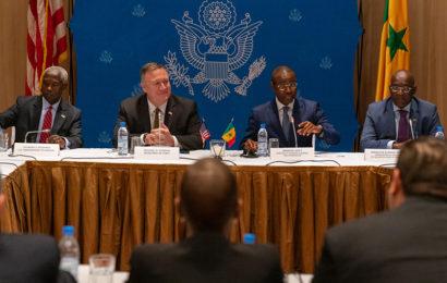 Sénégal: deux MoU signés par des entreprises américaines avec des entités publiques du secteur de l'énergie lors de la visite de Mike Pompeo