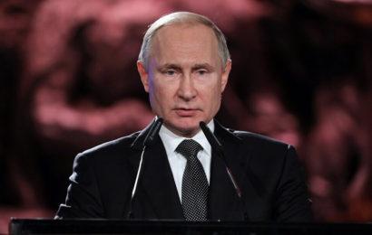 Pour Vladimir Poutine, la Russie sortira avec «calme et dignité» de la crise des cours du pétrole