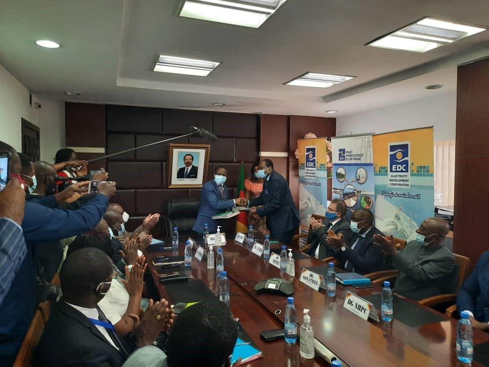 Attribution à EDC de la concession de stockage d'eau pour l'hydroélectricité (Cameroun)