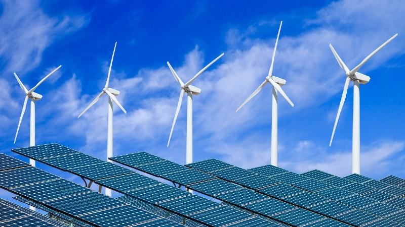 Solaire et éolien ont représenté 67% des nouvelles capacités de production électrique dans le monde en 2019 (rapport)