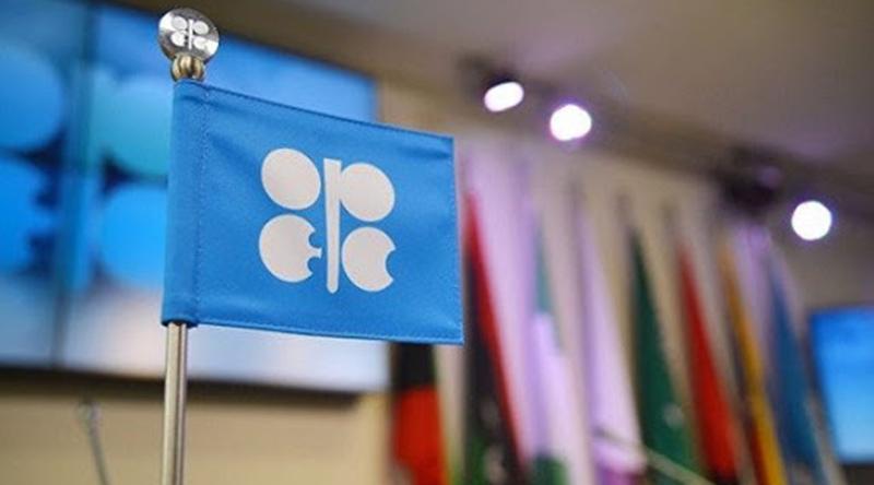 Pétrole: l'Opep et ses partenaires pourraient «ajuster» l'accord de limitation des productions nationales