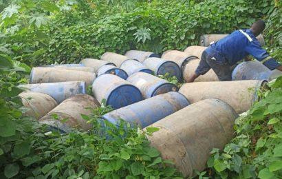 Cameroun: 28 000 litres de carburant de contrebande saisis à Limbe