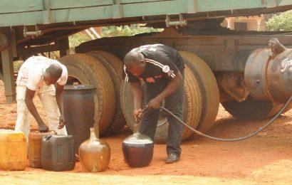 Les Douanes camerounaises ont saisi 111 000 litres de produits pétroliers et produits connexes de contrebande en 2019