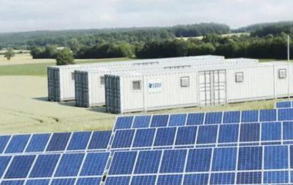 La BM soutient le Burkina pour attirer les investissements dans un projet de 325 MW d'énergie solaire et stockage par batteries