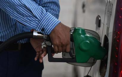 Conakry: le prix du litre d'essence, de gasoil et de pétrole passe de 9 000 à 11 000 francs guinéens