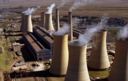 L'Afrique du Sud compte fermer 8 000 à 12 000 MW de centrales au charbon d'ici à 2032